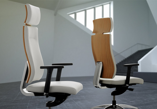 Vibe-chair-leather-and-wood-back